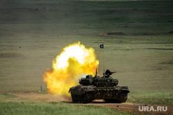 Всеармейский этап конкурса АрМИ-2021 «Танковый биатлон». Челябинская область, выстрел, танковый биатлон, военные учения, танк т-72, всеармейский этап конкурса арми2021, арми2021
