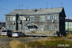 Поселок Тазовский, Новый Уренгой, Ямало-Ненецкий автономный округ, старый дом, жилой дом, барак, жилой фонд, вторичное жилье, поселок тазовский