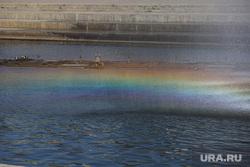 Жаркий день. Екатеринбург, тепло, лето, жара, лето в городе, радуга в фонтане
