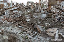 Исторические дома на улице Береговой. Тюмень, строительный мусор, снос дома, разрушенный дом, ретро, куча мусора, зарека, снесенный дом, улица береговая