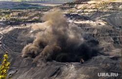 Кузбасс. Угольные разрезы. Бачатский, взрыв, бачатский разрез, подрыв породы