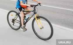 Новостройки. Тюмень, дети гуляют, дети, дети на велосипедах, дети на улице