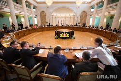 Подписание документа о создании Университетской лиги ОДКБ в Доме Севастьянова. Екатеринбург, колонный зал