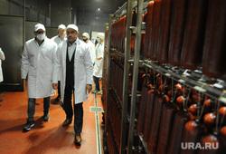 Алексей Текслер посетил новый логистический центр ООО «Ариант». Челябинск, колбаса, свинина, ариант, кретов александр, текслер алексей, мясо, кобылин алексей, продукция ариант