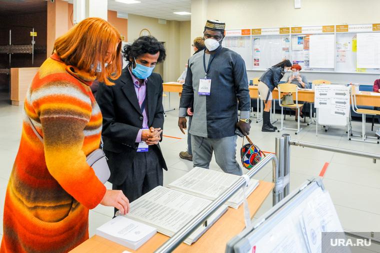 Выборы-2021: иностранные наблюдатели на УИК 2410. Челябинск