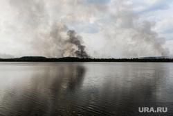 Тушение пожара в лесу на озере Глухое. Екатеринбург, первоуральский городской округ, озеро глухое