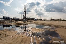 Нефтяная буровая. Ноябрьск, буровая, нефть, добыча нефти, нефтяная вышка