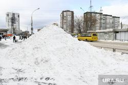 Снег на улице Техническая. Екатеринбург, сугроб, гора снега, снег, зима, снег на дороге, снежная куча