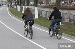 Подборка фотографий в период самоизоляции 28.04.20 в Перми, велодорожка, велосипедист