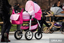 Торжественное открытие после реконструкции сквера на проспекте Орджоникидзе. Екатеринбург, семья, коляска детская, парк, рождаемость, новорожденные, коляска с ребенком, прогулка с ребенком, прогулка с коляской