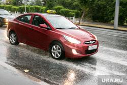 Долгожданный дождь. Тюмень, такси, автомобиль, красная машина, дождь