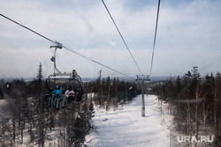Горнолыжный комплекс «Гора Белая». Свердловская область, горнолыжный комплекс, зимние виды спорта, подъемник, горнолыжный курорт, зимний отдых, активный отдых, подъемник горнолыжный