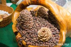 Продукты и товары. Ханты-Мансийск, продукты, орехи, кедровые шишки, еда