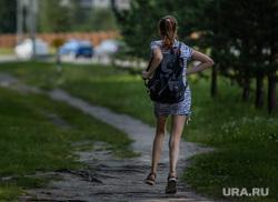 Город летом. Сургут, жертва, школьницы, насилие, побег, педофилия, бег, подросток убегает, агрессия, педофил, киднепинг