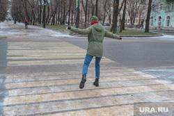 Гололед, ледяной дождь в Перми., пешеходный переход, гололед, ледяной дождь, Тротуары