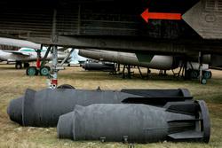 Экспонаты Центрального Музея Военно-Воздушных Сил России в Монино. Московская область, Монино, снаряд, ракета, снаряды, торпеда, бомба