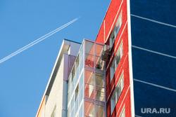 Виды города. Тюмень, многоэтажка, жилой дом, многоэтажный дом, новостройки, полет, отпуск, самолет, многоквартирный дом, перелет, панелька, квартал, полет на самолете