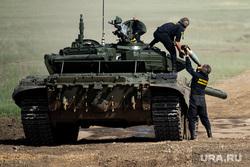 Всеармейский этап конкурса АрМИ-2021 «Танковый биатлон». Челябинская область, танкисты, военнослужащие, танковый биатлон, военные учения, танк т-72, всеармейский этап конкурса арми2021, арми2021