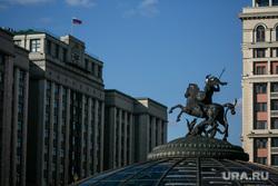 Красная площадь. Москва, госдума, государственная дума, памятник георгию победоносцу, москва