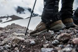 Кавказские горы в окрестностях Эльбруса, ботинки, путешествие, поход, туристы, gore tex, туризм, горы