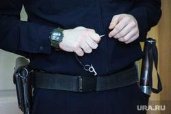 Судебное заседание по уголовному делу бывшего замгубернатора Пугина Сергея. Курган, полиция, канвой, ключ от наручников, канвоир