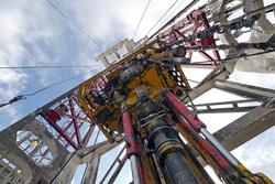 Открытая лицензия на 30.07.2015. Добыча нефти и газа, газ, добыча, нефть, буровая вышка