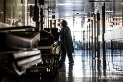 Нейрохирургическая операция по восстановлению периферических нервов руки в Городской клинической больнице № 40. Екатеринбург, госпиталь, лечение, коридор больницы, здоровье, медицина, обследование, клиника, медицинский работник, больница, коридор госпиталя