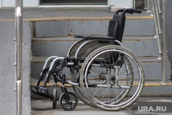 Машина скорой помощи. Курган, инвалидное кресло