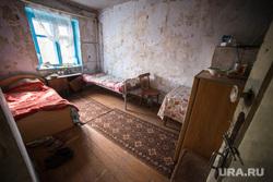 Поездка Дениса Паслера в Верхотурье., старый дом, комната