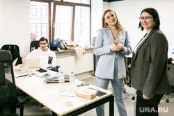 Открытие коворкинга Names. Тюмень, ноутбук, офис, женщины, коворкинг, работа за компьютером