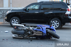 Авария с участием мотоциклистов. Курган, дтп, мотоцикл