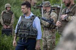 Владимир Зеленский, президент Украины. Сайт президента Украины, бронежилет, военные, зеленский владимир
