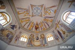 Подготовка к приезду патриарха в Алапаевск, Свердловская область, храм, купол, роспись