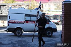 Областная больница. Курган, православный крест, похоронный бизнес, смертность населения, машина скорой помощи