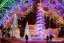 Новогоднее оформление. Тюмень, елка, новогодние украшения, новогодняя елка, с новым годом, новый год, новогоднее оформление, новогодняя иллюминация