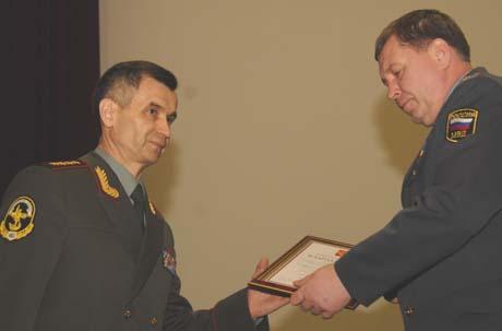 Свердловские генералы выгодно отличились в Москве: на разгромной коллегии, где 17 их коллег лишились погон, наши получили благодарности и повышение по службе