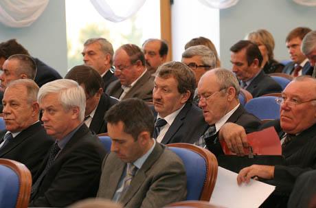 Мэрам Южного Урала дали возможность спокойно переизбраться: «бабкины бунты» по случаю очередной монетизации в их городах и районах отменяются