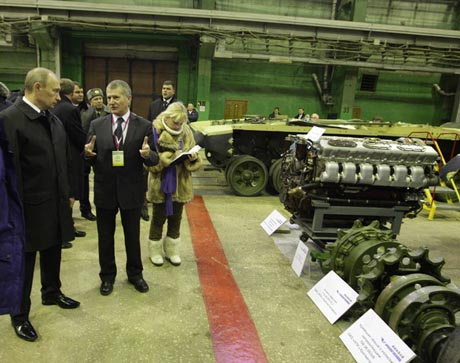 Сюрприз для Якунина: Путин заявил, что РЖД все-таки будет размещать заказы на УВЗ. ФОТОрепортаж с визита премьера в Свердловскую область